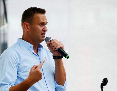 """Nawalny trafił do szpitala. Władze mówią o """"alergii"""", lekarka o zatruciu..."""