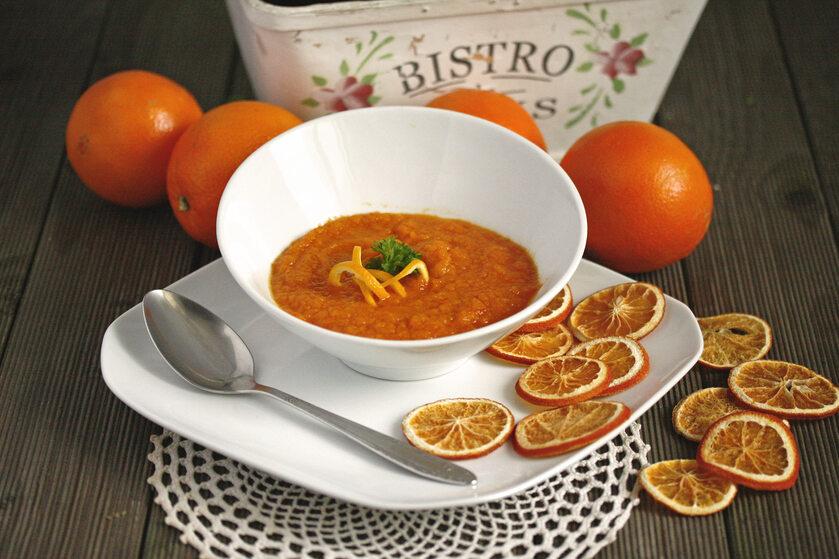 Zupa krem marchewkowo - pomarańczowa