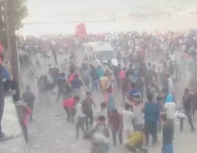 Starcia imigrantów z policją na greckiej wyspie Lesbos