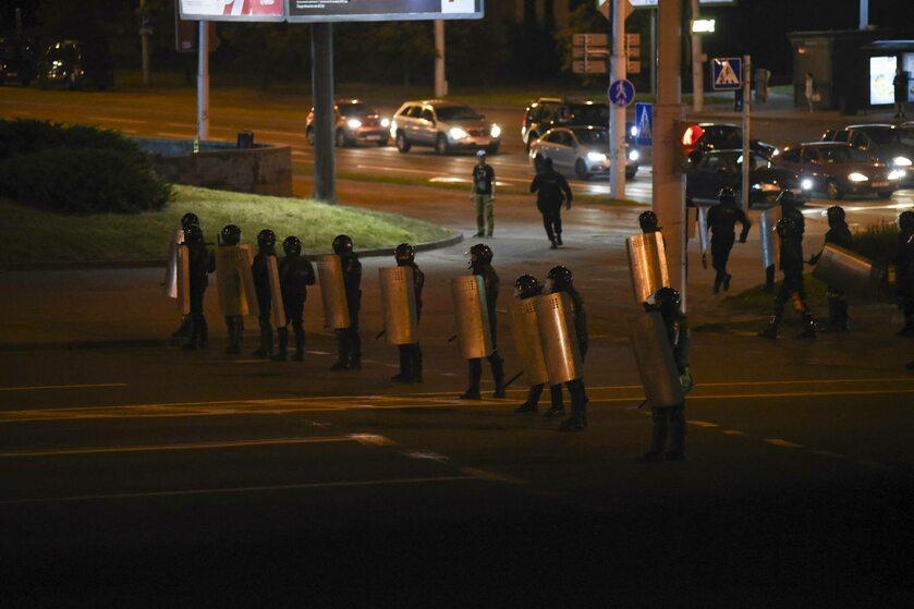 Białoruska milicja tłumiąca zamieszki