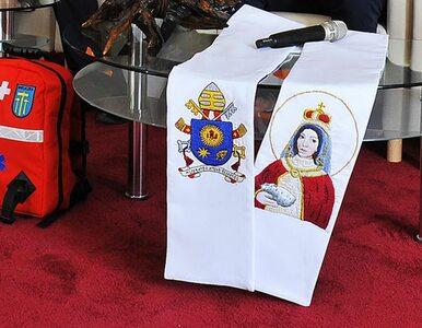 28 tys. za papieskie buty, 33 tys. za kopię stuły. Skończyły się...