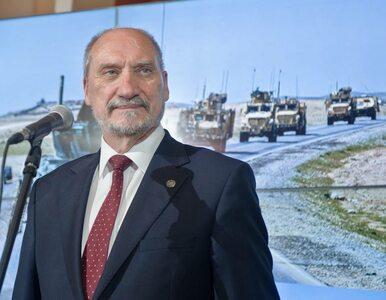 """Szef MON powitał żołnierzy Dowództwa MNDNE. Siły sojusznicze """"żelazną..."""