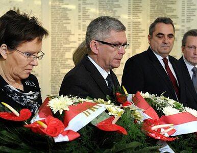 Posłowie i senatorowie uczcili pamięć ofiar Smoleńska