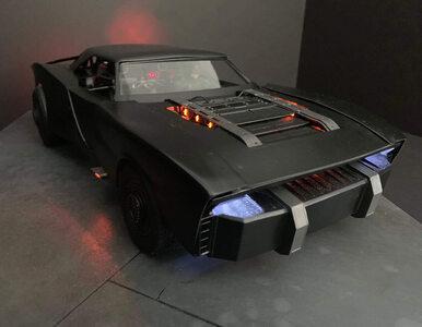 """Jest Batmobil z przyszłorocznego """"Batmana"""" z Robertem Pattisonem...."""