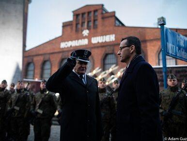 """Premier Morawiecki upamiętnił ofiary pacyfikacji kopalni """"Wujek""""...."""