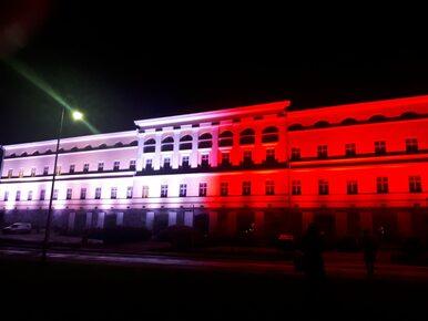 Ikoniczne budynki rozświetlone na biało-czerwono. Świat gratuluje Polsce