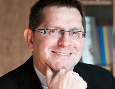 """Ks. Nowak dla """"Wprost"""": Kościół wie, że prezerwatywy zapobiegają AIDS,..."""