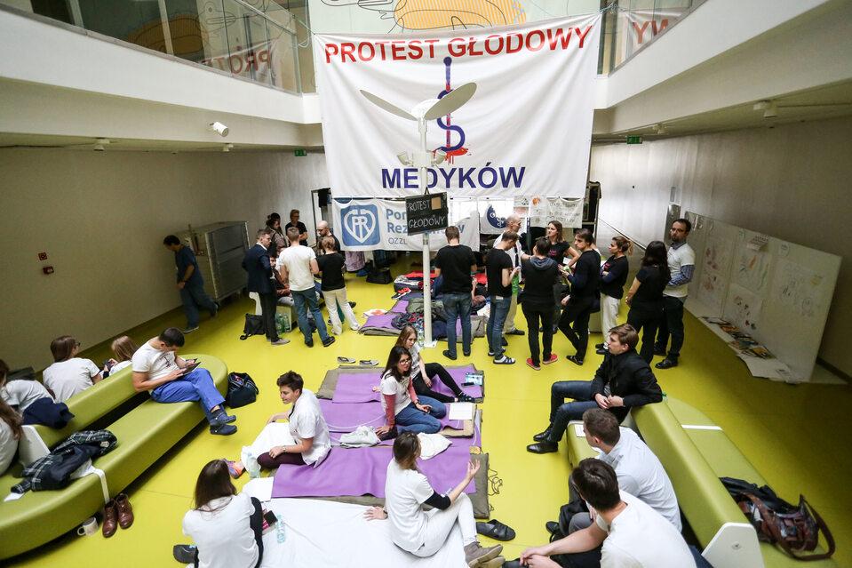 Protest głodowy lekarzy rezydentów