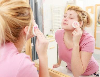 Niedokładnie zmywasz makijaż? Sprawdź, co ci grozi