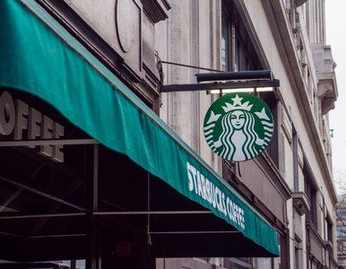 Wszedł do Starbucksa i oddał mocz do kubków. Internauci pomogli ustalić...