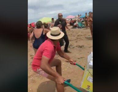 Krwawy atak na plaży. Sprzedawca trzykrotnie ugodził nożem policjanta