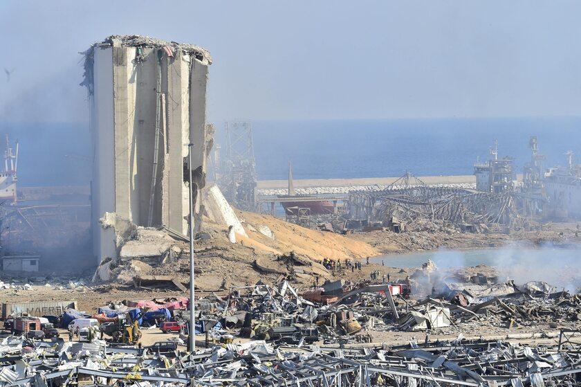 Obraz zniszczeń po wybuchu w Bejrucie