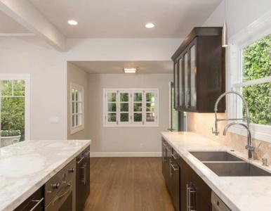 Charlize Theron sprzedaje swój dom w West Hollywood. Zobaczcie wnętrza