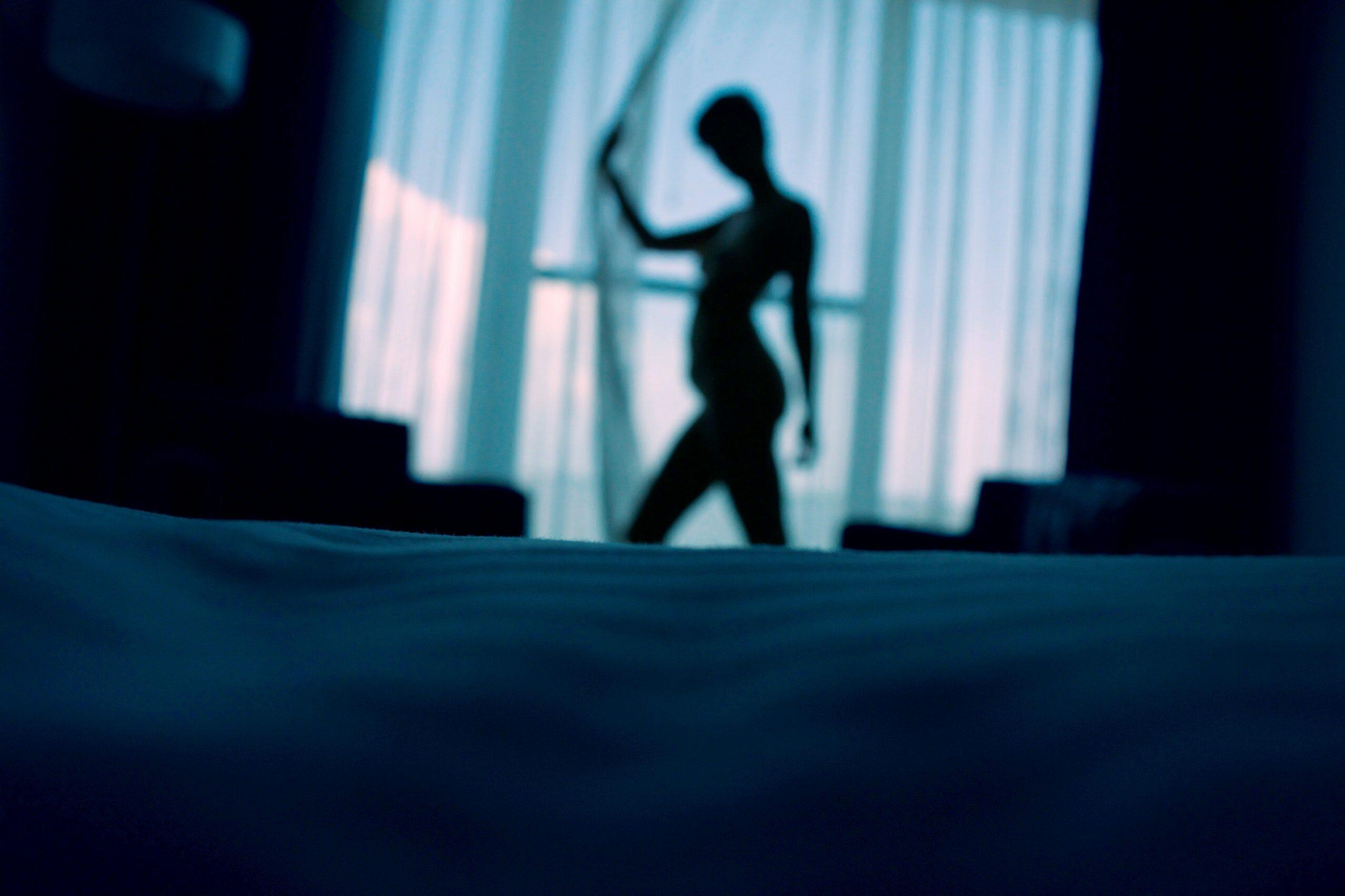 Kobieta w sypialni