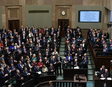 Sondaż. PiS liderem, Platforma Obywatelska zmniejsza dystans