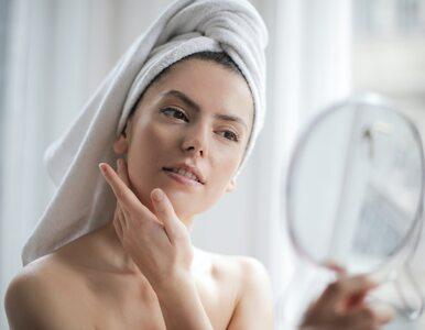 Jak wybrać środek myjący do cery trądzikowej?