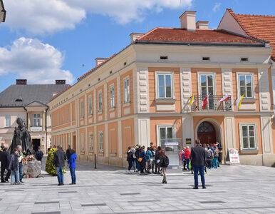 """Nieprzyjemny incydent w muzeum w Wadowicach. """"Św. JP II jest z was z..."""