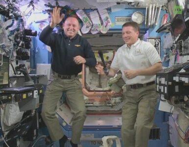 Astronauci z ISS świętują Nowy Rok 16 razy