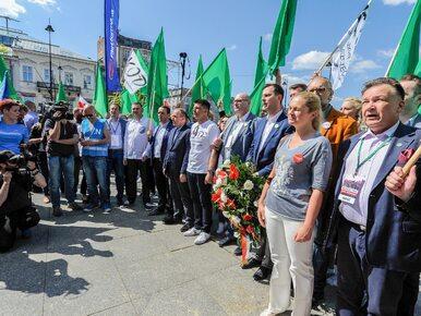 """Brudziński liczy demonstrantów na marszu. """"Na 1 m kw. musiałoby stanąć..."""