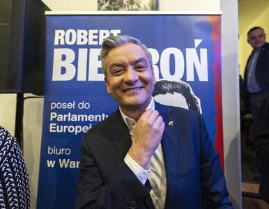 """Mocne słowa Biedronia do Szydło po debacie w PE. """"Pani siedzi...."""