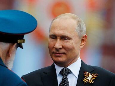 Władimir Putin upadł na twarz po meczu hokeja. W sieci pojawiło się...