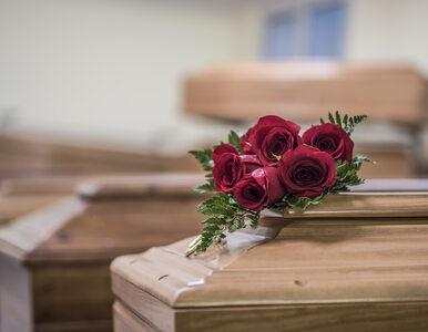 Sanepid szuka uczestników pogrzebu Karpiel-Bułecki. Jeden z gości miał...