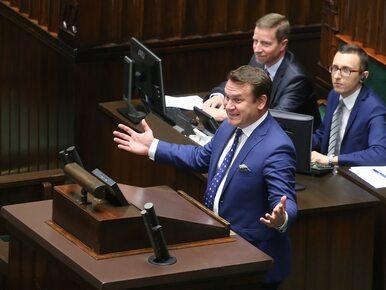 """Oburzenie zachowaniem Tarczyńskiego. Poseł znów """"spławił"""" dziennikarza,..."""