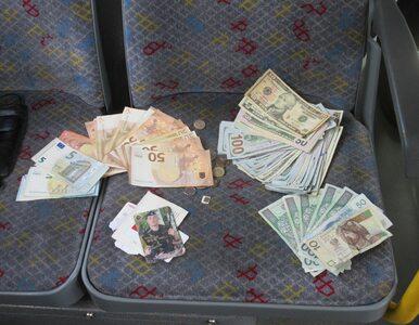 Saszetka z pieniędzmi znaleziona w autobusie. Było w niej ponad 33 tys. zł