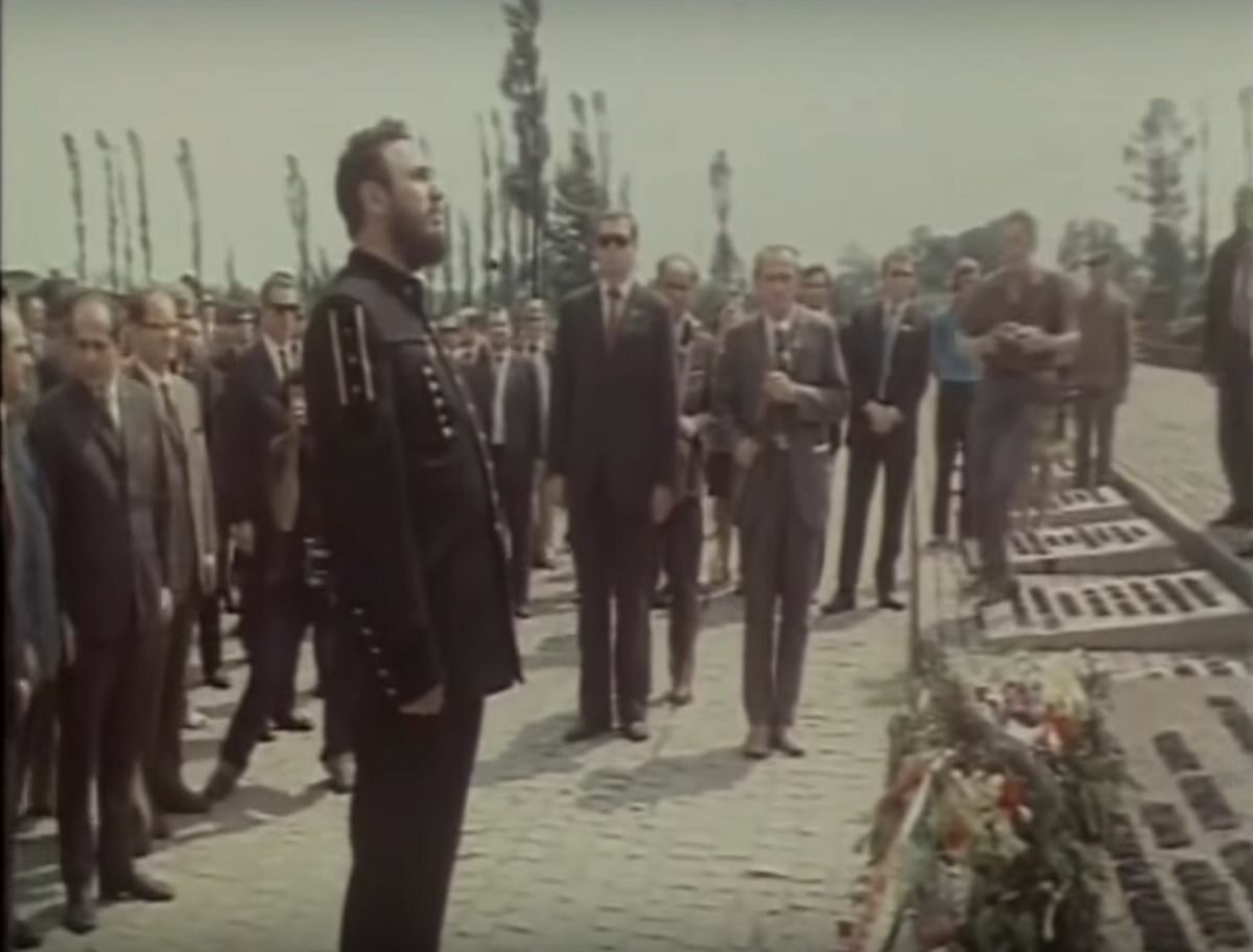 Fidel Castro w obozie Auschwitz-Birkenau