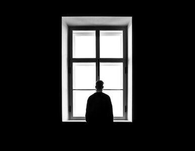 Myśli samobójcze to temat tabu. Psychiatra: Pytać o nie trzeba, bo...
