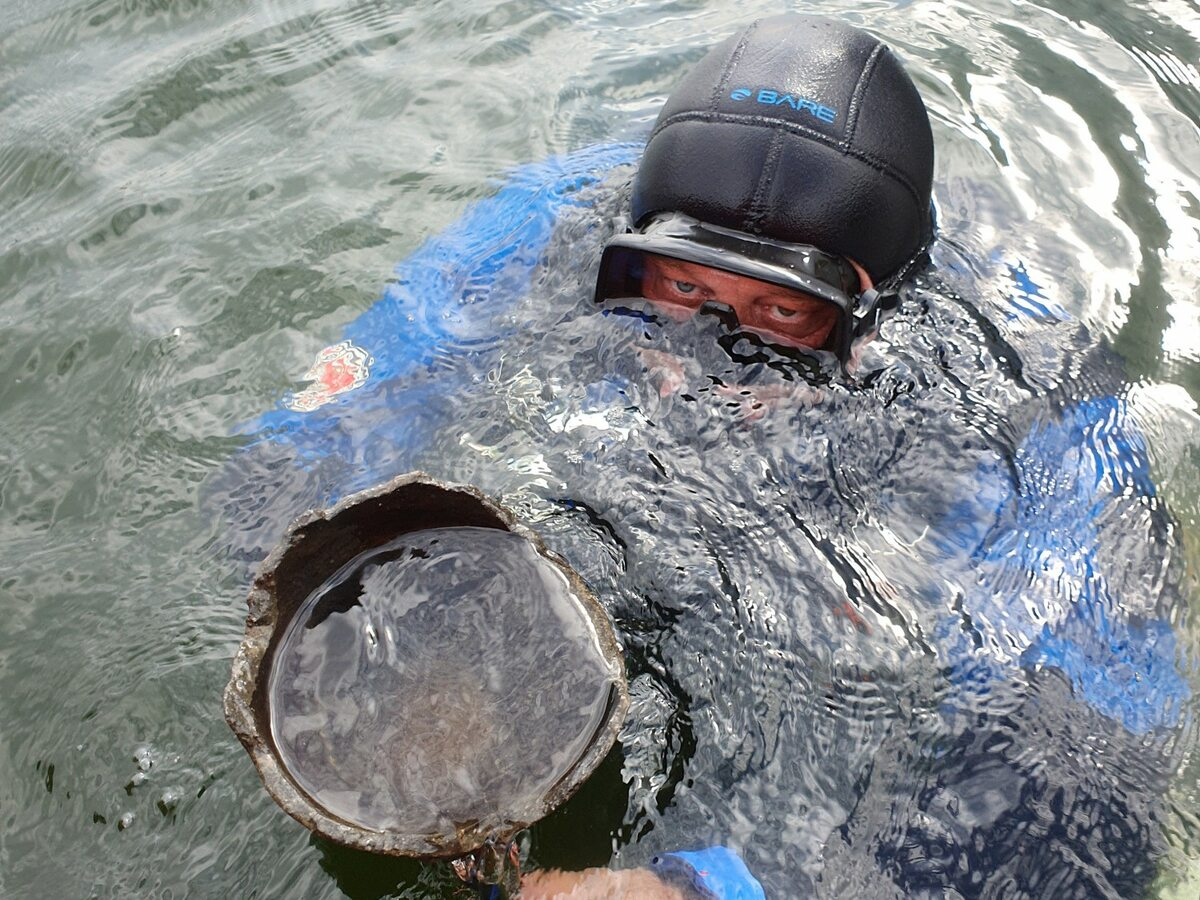 Badania archeologów UMK w jeziorze Lednica