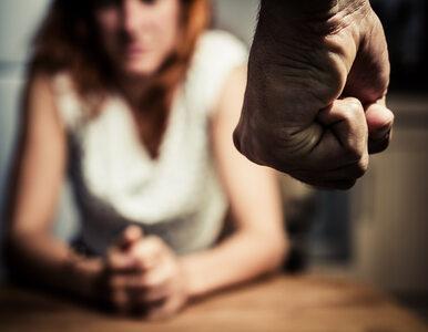 Prokuratura: Były radny PiS przez 11 lat znęcał się nad żoną. Grozi mu 5...