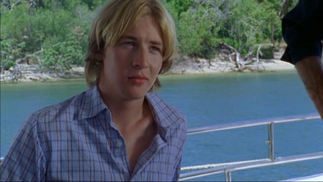 """Angus McLaren jako Lewis w serialu """"H2O: Wystarczy kropla"""""""