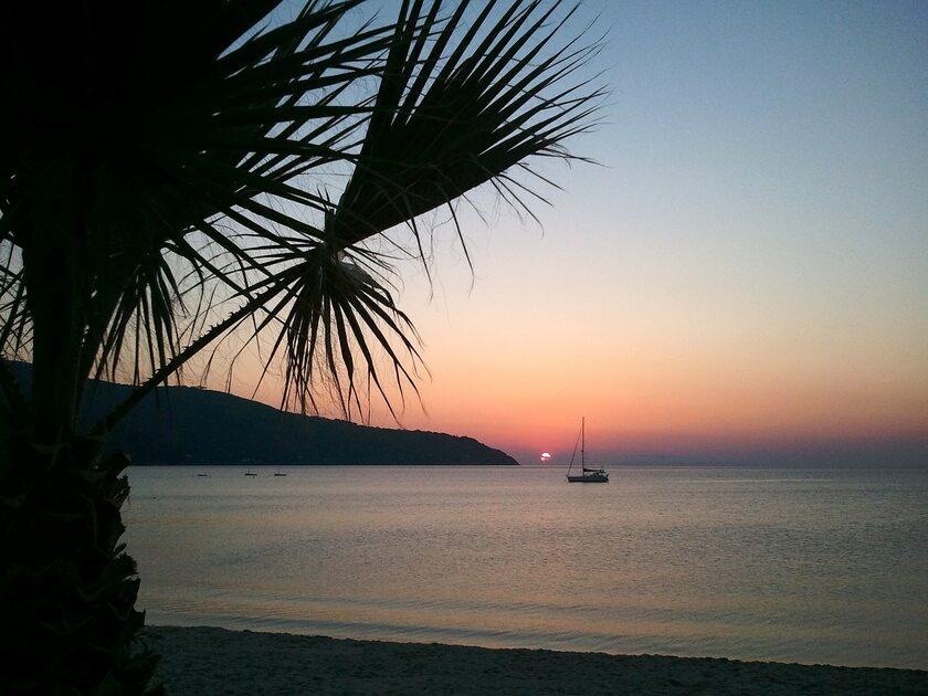 Zachód słońca na Elbie